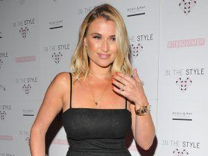 Billie Faiers Steps Back Into Her Bikini After Giving Birth