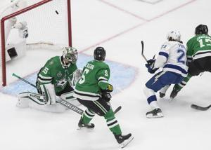 Lightning up 2-0 on Stars, 20 minutes from Stanley Cup