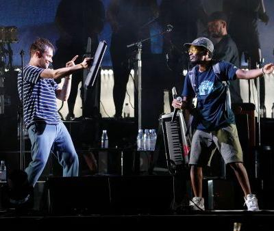 Del The Funky Homosapien Punctured His Lung And Fractured Several Ribs In Gorillaz Stage Fall