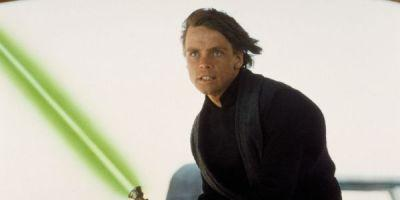 The Actual Reason Luke's Lightsaber Is Green, According To One Guy At Lucasfilm