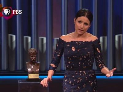 Julia Louis-Dreyfus Mocks Justice Brett Kavanaugh During Mark Twain Humor Award Acceptance