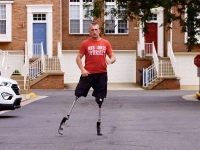 Veteran who lost both legs running a marathon every day for a month