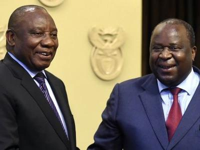 South Africa's president urged to testify in graft probe