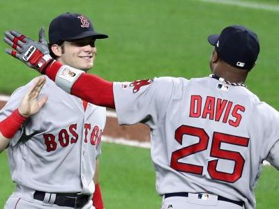 Red Sox keep Yankees at arm's length; Brewers inch closer to Rockies