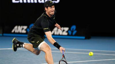 Murray, Federer stay the course at Australian Open
