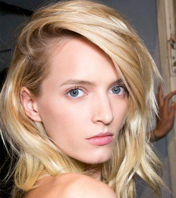 The Easiest Way to Fix Flat Hair in Under 60 Seconds
