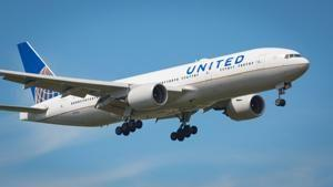 United Airlines joins other carriers in peddling credit cards to passengers