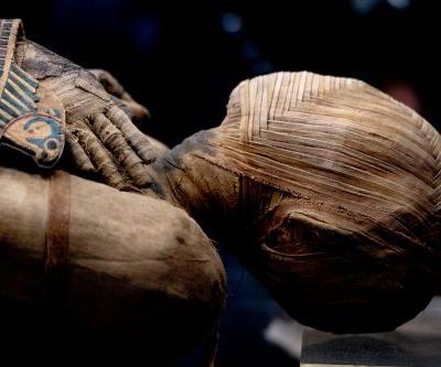 Archaeologists uncover mummies in ancient Egyptian tomb