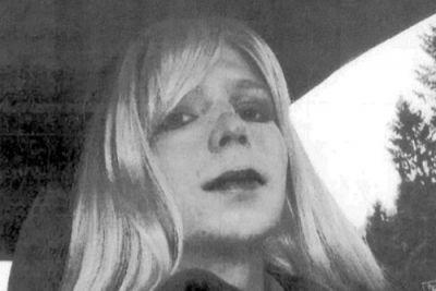 Obama commutes sentence for Manning, a WikiLeaks source