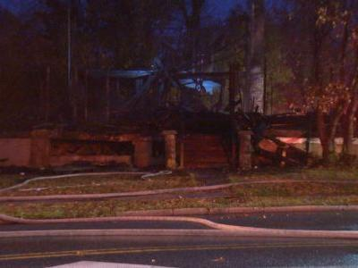Fire at vacant building spreads to assisted living facility