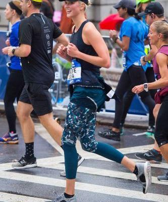 Karlie Kloss Wore the Chicest Leggings to Run the NYC Marathon