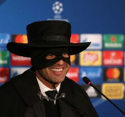 Shakhtar manager Fonseca dons Zorro mask in press conference