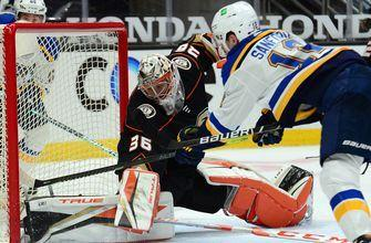 Blues' power play catches fire in 3-2 victory over Ducks