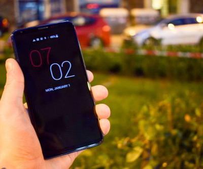 Hands On With LG's V30S ThinQ Android Smartphone - MWC 2018