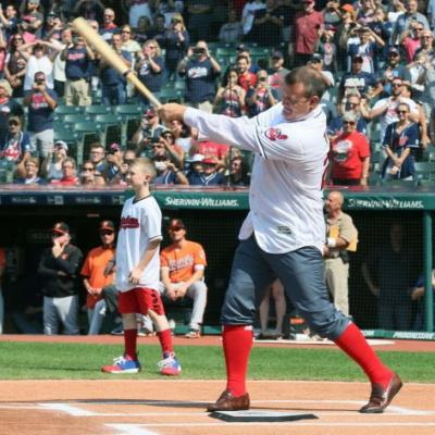 One more walk-off: Jim Thome takes trip around the bases to mark Hall of Fame career with Cleveland Indians