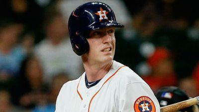 Astros Colin Moran fouls pitch off face, exits game