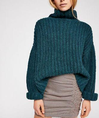Your Guide to Ruching: The '80s Trend That's Actually Flattering