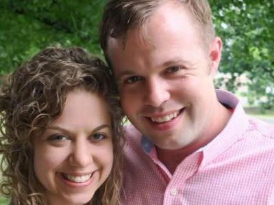 John David Duggar and His Girl Abbie Grace Burnett Pack on the PDA in New Picture!