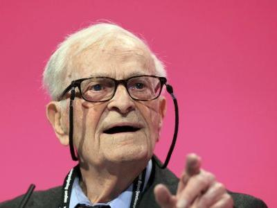 WWII vet, social activist Harry Leslie Smith dies at 95