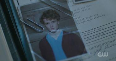 'Riverdale' Revealed The Truth About Chic & It May Have Blown Up That Black Hood Theory