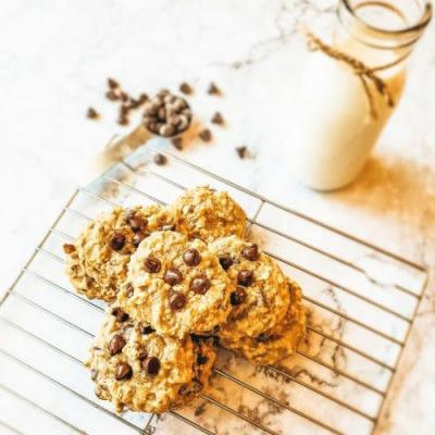 Banana Oat Chocolate Chip Cookies