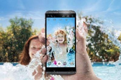 LG Q8 Is A Smaller, Waterproof Version Of The LG V20