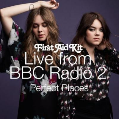 """Hear First Aid Kit Cover Lorde's """"Perfect Places"""" & """"Have Yourself A Merry Little Christmas"""" For BBC Radio 2"""