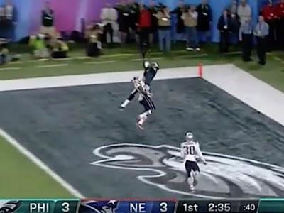 Alshon Jeffery made an all-time great Super Bowl catch to give the Eagles the first touchdown of the game