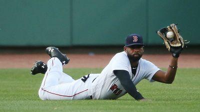 Jackie Bradley Jr. robs Aaron Judge of majestic home run with majestic catch