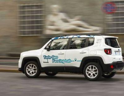 This hybrid Jeep auto-enables EV mode in the city - then reports you if you use gas