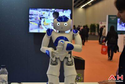 MWC 2017: Hands-on With SoftBank's Pepper the Robot