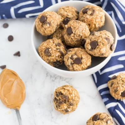 PB Chocolate Chip Energy Bites