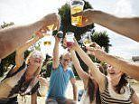 Researches explain the science of day drinking