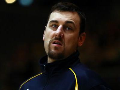 Lakers, Andrew Bogut agree to one-year deal, reports say