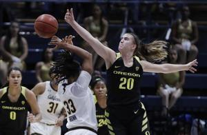 Ionescu scores 27, No. 3 Oregon tops California 105-82