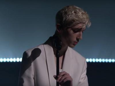 "Watch Troye Sivan Sing His Jónsi Collab ""Revelation"" On The Tonight Show"