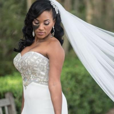 Why one woman refused to cover up her facial birthmark on her wedding day