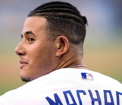 Padres announce Manny Machado signing