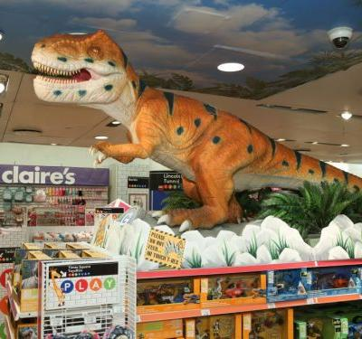 I went to a Toys R Us store after the bankruptcy announcement and saw how grave the threat of Amazon has really become