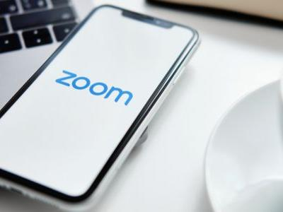 What is Zoom? How does it work, tips and tricks plus best alternatives