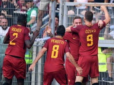 """Roma clinch second spot with last-gasp win on """"Totti Day"""""""