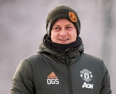 """""""To knock Liverpool off their perch would be a huge achievement"""" - Man Utd would prefer PL title win over CL, says ex-Red Devil"""