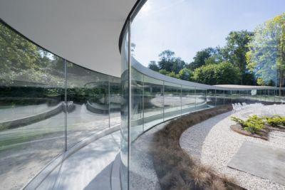 Glass Visitor Center Park Vijversburg / STUDIO MAKS