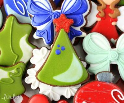 How To Make Easy Decorated Christmas Tree Sugar Cookies
