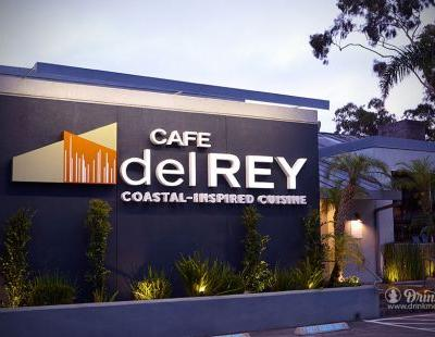 Cafe Del Rey Refines Coasting Cuisine, And Itself