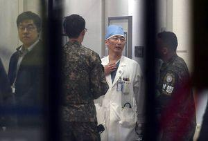 Seoul: N. Koreans fire at soldier trying to defect to South