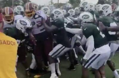 Watch: Washington Redskins, New York Jets players