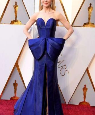 Nicole Kidman Wore The Perfect Structural Armani Privé Gown At
