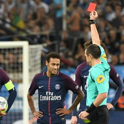 NBA legends, Neymar sees red and a brand new Balotelli - Ligue 1 goes social