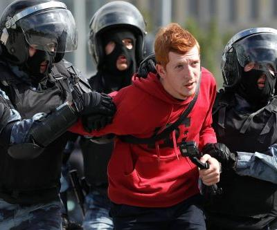 Hundreds detained in latest Russian protests ahead of election